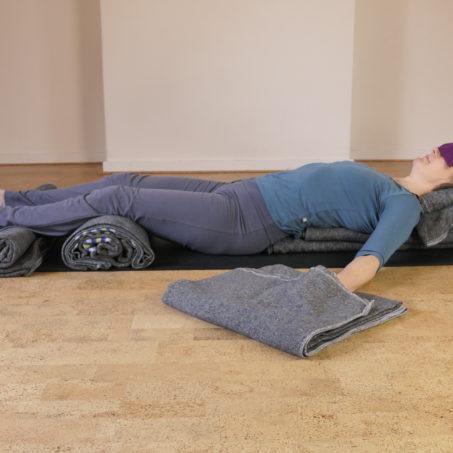 Restorative yoga shavasana haarlem